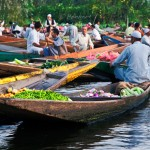 floating vegetable market in srinagar