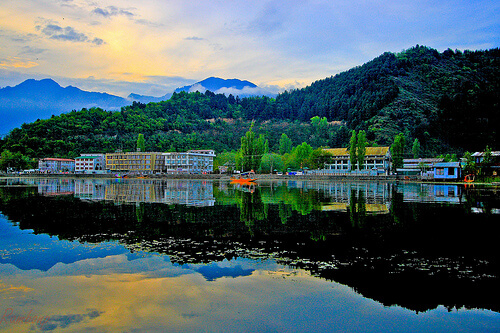 Top Places to visit in Srinagar